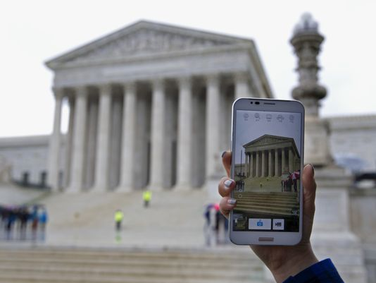Supreme-Court-cell-phone