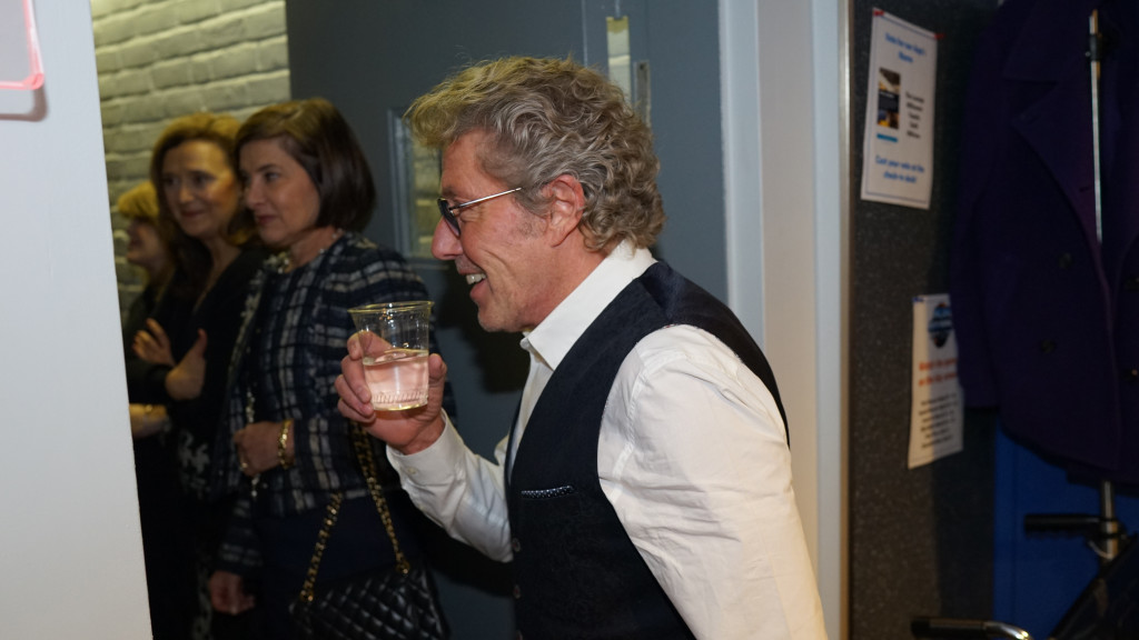 Teen Cancer Roger Daltrey with glass